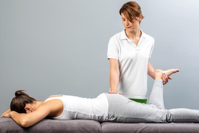 массаж при боли в седалищном нервее