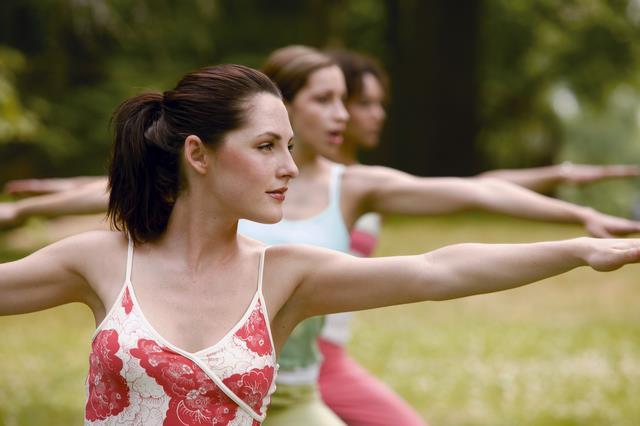 делать упражненния