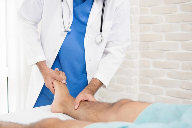 вывих колена  лечение